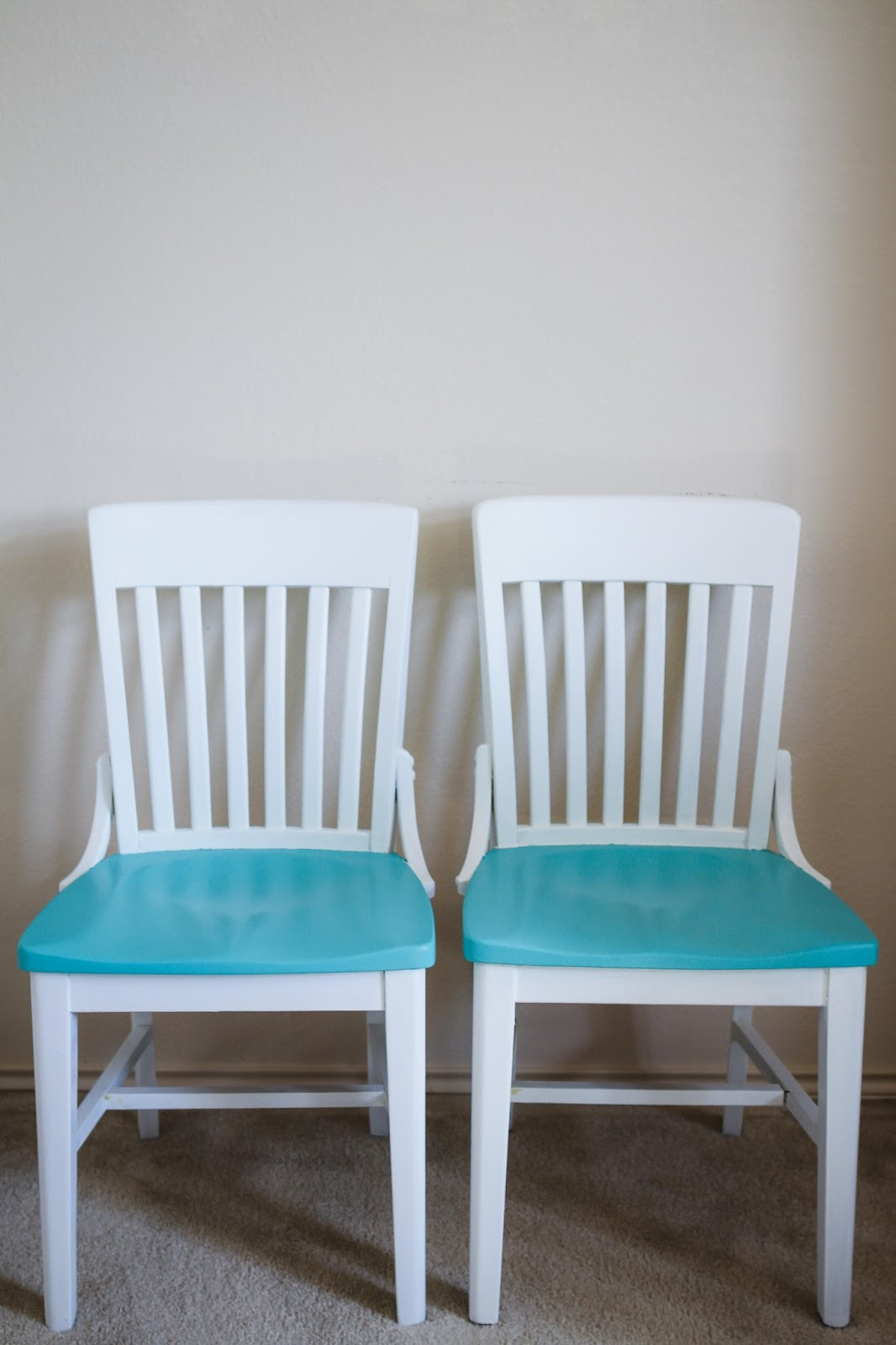 kitchen chair refinish with chalk paint turquoise kitchen chairs Super fun kitchen chairs Love the pop of color mynameissnickerdoodle com