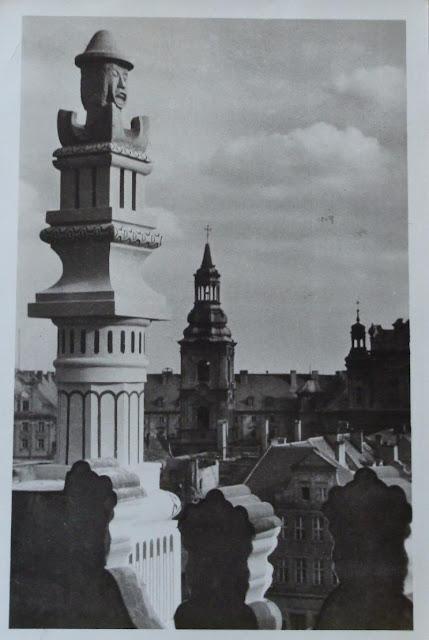 Poznański ratusz - światowid - element dekoracyjny - stara pocztówka