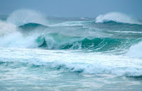 Heavy Waves (Credit: Erik K Veland on Flickr) Click to Enlarge.