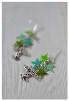 boucles d'oreilles étoiles vertes et aéroplanes