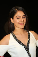 Isha Talwar Looks super cute at IIFA Utsavam Awards press meet 27th March 2017 06.JPG