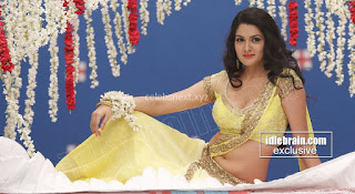 Sakshi Chodary in Yellow Transparent Sareei Choli Spicy Pics 21 .xyz.jpg