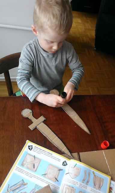 tektura miecz