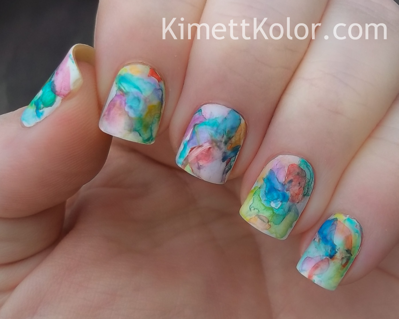 https://www.kimettkolor.com/2014/03/abstract-watercolor-painting-on-my-nails.html