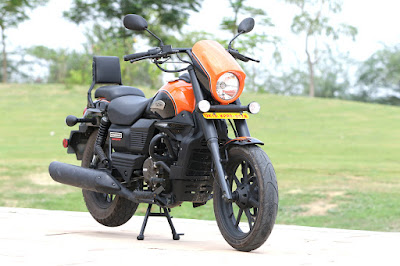 2016 UM Renegade Sport S Front angle Image