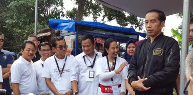Jutaan Rakyat Gelar Reuni 212 di Monas, Jokowi Pilih Berjumpa Emak-Emak di Bogor