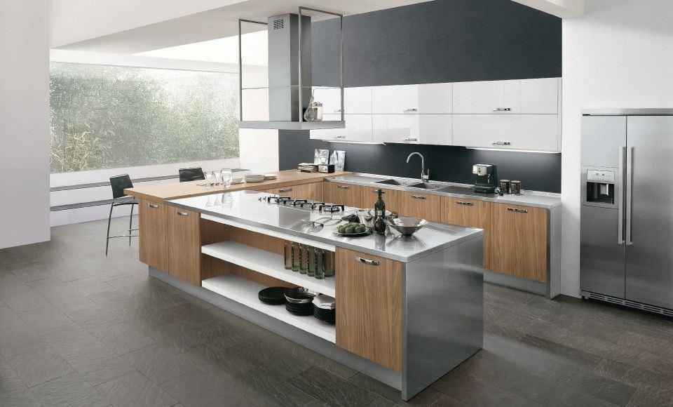 Corriere del web l utilizzo dei pensili in acciaio nel - Cucine in acciaio per casa ...