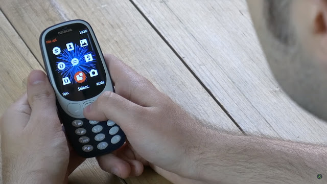 Nokia 3310 disconnecting people a week with him as main phone