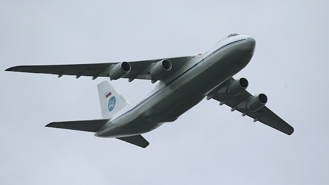 Llega a Argentina un avión ruso con especialistas y equipo para rastrear el ARA San Juan