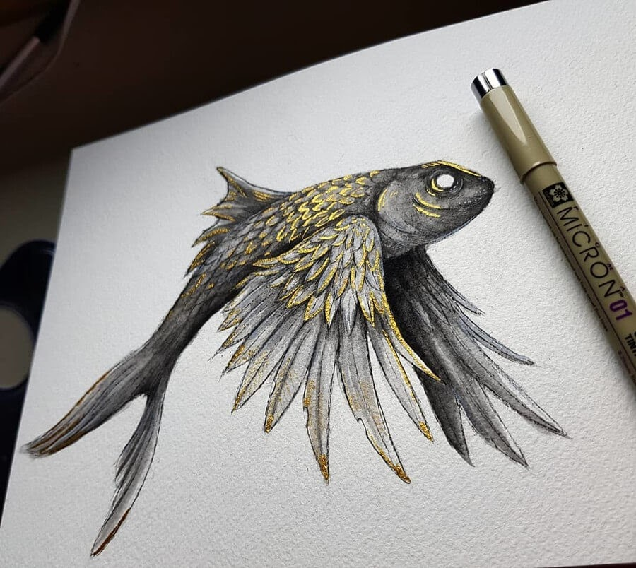01-Golden-Flying-Fish-Kleevia-Animal-Art-www-designstack-co