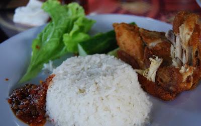 Kuliner Indonesia - Ayam Lepas