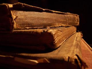 Teoría del tiempo poético, Apuntes sobre Metáfora de las Huellas de Antonio Carvajal, 2 Francisco Acuyo