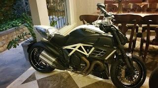LAPAK MOGE Ducati Diavel AMG LIMITED Edition - SURABAYA