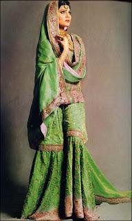 Индийская женская одежда: что выбрать, с чем носить?, Джодхпури, Анаркали, Чуридар-камиз (или чуридар-курта), Курта, Набор для шальвар-камиза, Павада (или шайя), Чуридар, Патиала, Сари, Чоли, Кафтан-курта,Камиз,Дупатта,http://prazdnichnymir.ru/,Шальвар-камиз (сальвар-камиз),Шальвары,Брассо (brasso), национальная одежда, этнический стиль, индийская одежда, народный костюм, карнавальный костюм,Индийская женская одежда: что выбрать, с чем носить? Камиз что такое, Анаркали что такое, Дупатта что такое, Джодхпури что такое, Кафтан-курта что такое, Курта что такое, Ленга-чоли (лехенга-чоли) что такое, Набор для шальвар-камиза что такое, Павада (или шайя) что такое, Патиала что такое, Сари что такое, Чоли что такое, Чуридар что такое, Чуридар-камиз (или чуридар-курта) что такое, Шальвар-камиз (сальвар-камиз) что такое, Шальвары что такое, Брассо (brasso) что такое, Как правильно надеть сари что такое, как ерчить индийскую одежду, национальная индийская одежда, национальная женская одежда, национальная одежда Индии, индийские женщины, красивая одежда в фолк стиле, новый год, карнавал, торжество, Индия,