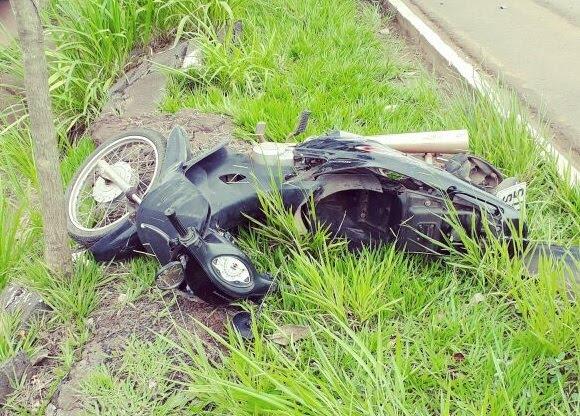 PRF registra acidente na BR 364 entre carro em Moto em Cacoal