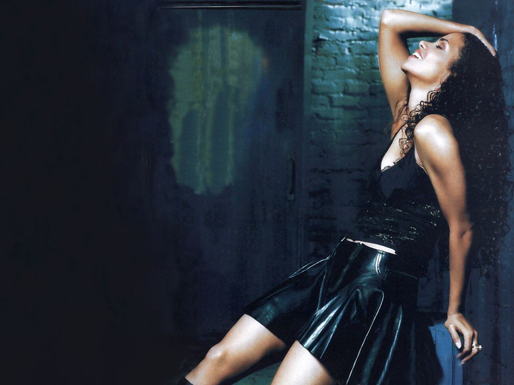Halle Berry Hot Pictures, Photo Gallery  Wallpapers Hot -9602