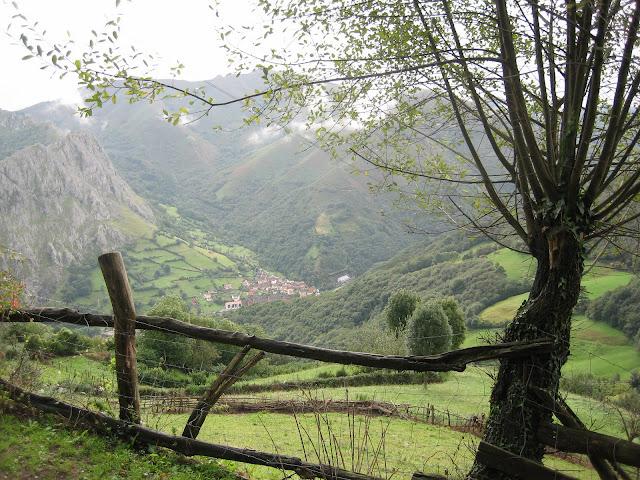Rutas Montaña Asturias: Vista de la Foz de Morcín en ruta a la Fayona y Monsacro
