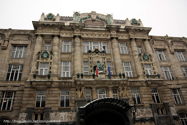 étrangers à Budapest datant 100 site de rencontre gratuit en nous