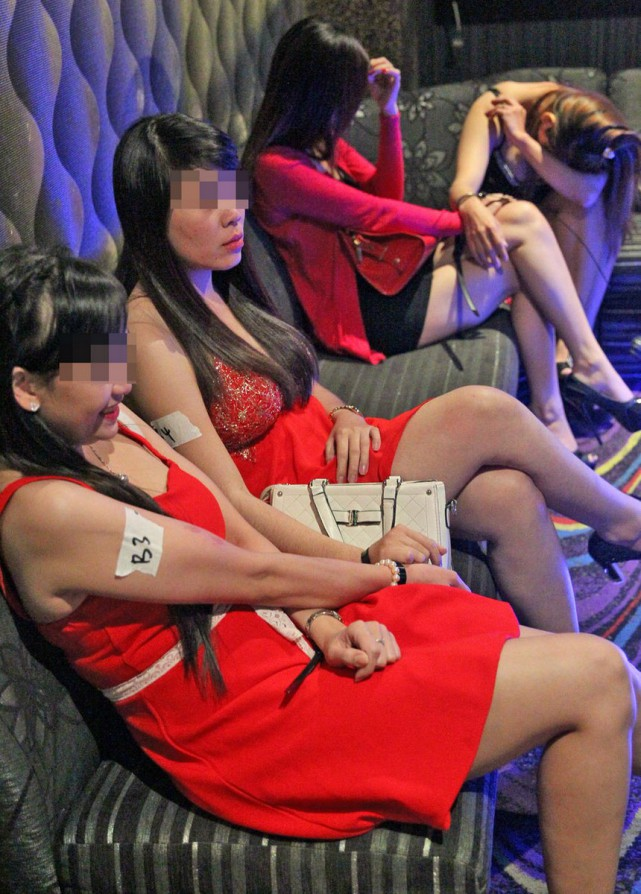 Nude prostitution raid in china 2