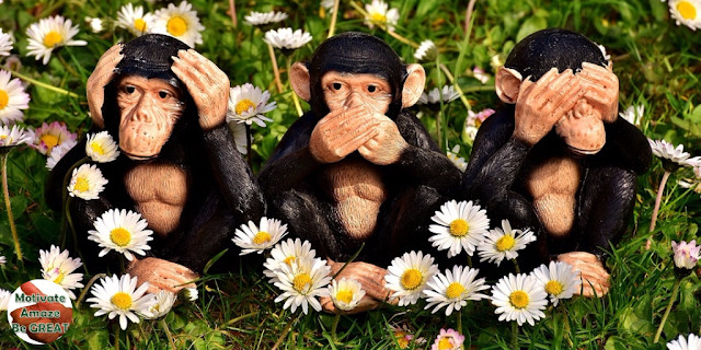 "Header image of the article: ""Mastering Nonverbal Communication & Reading Body Language - 4 Easy Steps"" - 3 Monkeys"
