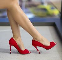 pantofi din piele intoarsa decupati in varf