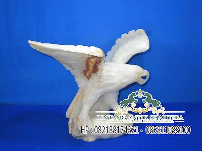 Model Kerajinan Patung | Patung Elang Onix