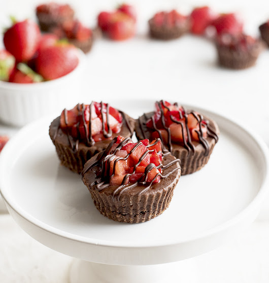 Chocolate Covered Strawberry Cheesecake Cups