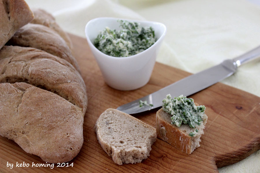 Brot backen, Südtiroler Rezept, Aldein, Kräuterbutter, Südtiroler Blog