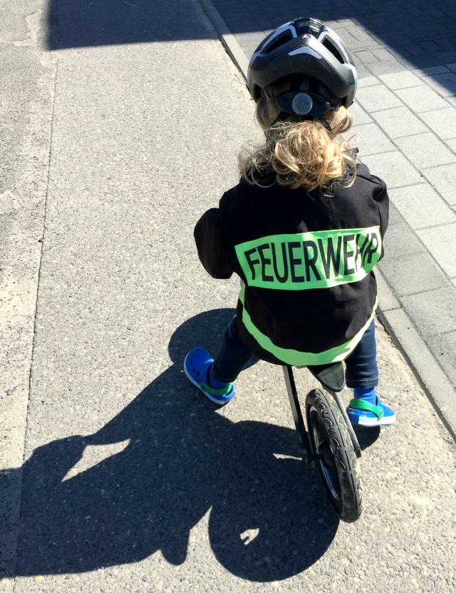 Laufrad fahren, des Zwuggels neues Hobby