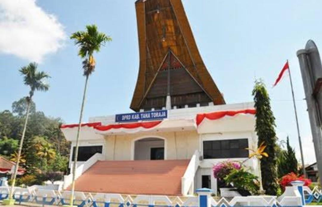 [Opini] Petahana atau Orang Baru yang Akan Rebut Kursi Terbanyak di DPRD Tana Toraja ?