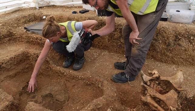 Βρήκαν ένα «βαμπίρ» καρφωμένο με 9 δόρατα από την εποχή του Σιδήρου!