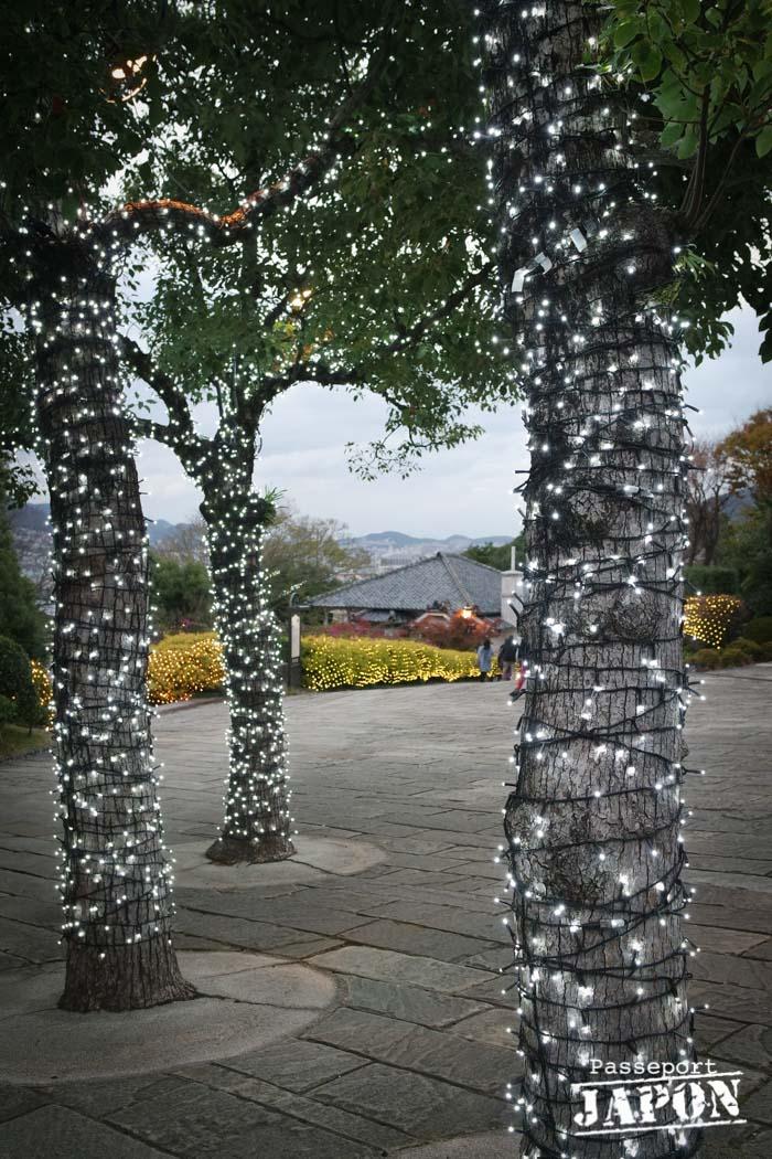 Illuminations dans les arbres, Glover Garden, Nagasaki
