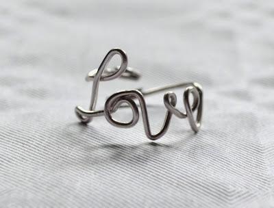 http://www.elrincondefrifri.com/2014/02/hazlo-tu-mismo-anillo-love.html