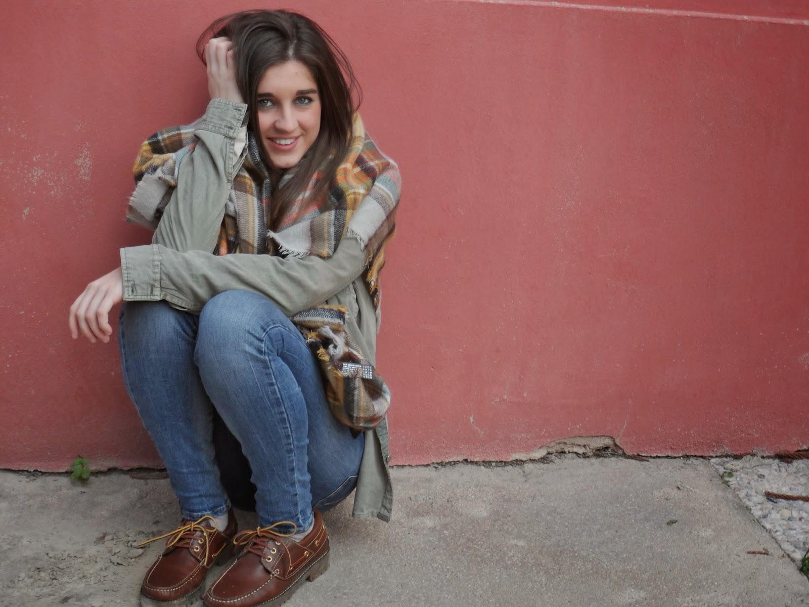 Brunette blogger
