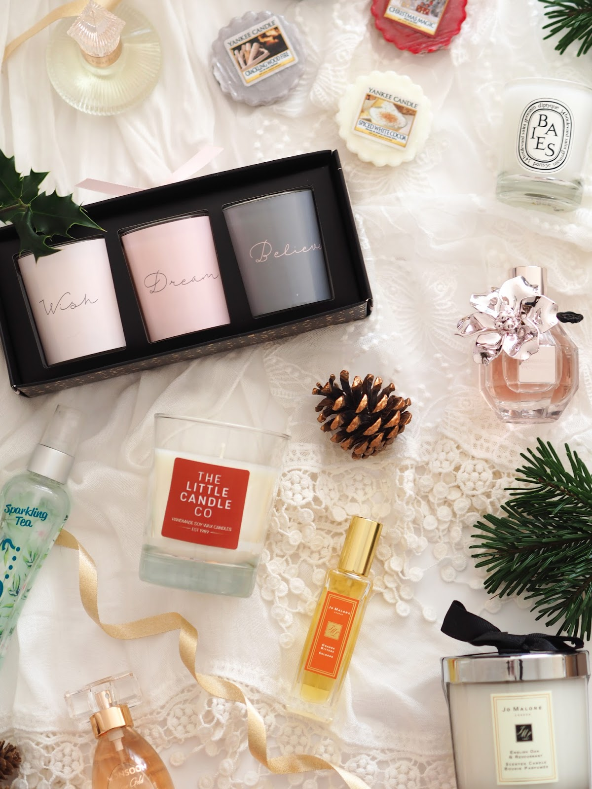 The Scented Gift Guide, Katie Kirk Loves, UK Blogger, Beauty Blogger, Christmas, Christmas Gifts, Gift Guide, Gift Ideas, Beauty Gifts, Lifestyle, Luxury Gifts, Charlotte Tilbury, Viktor & Rolf Flower Bomb, Debenhams Beauty, Lush Cosmetics, Oasis Fashion, Rose Gold, Yankee Candle, The Little Candle Co, So...? Perfume, Diptique, Jo Malone, Christmas Fragrances, Fragranced Gifts, Christmas Scents, Christmas Magic, The Perfect Tree, Crackling Wood Fire, Spiced White Cocoa, Christmas Giveaway, Candle Giveaway, Monsoon Rose Gold Perfume