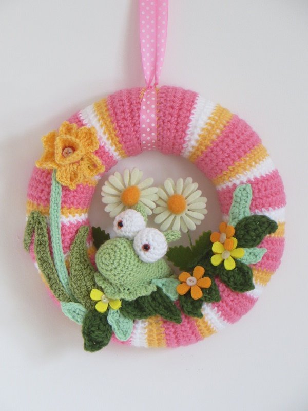 Crochet spring wreath