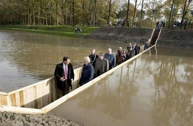 Agen-Gaple-Jembatan-Fort-De-Roovere