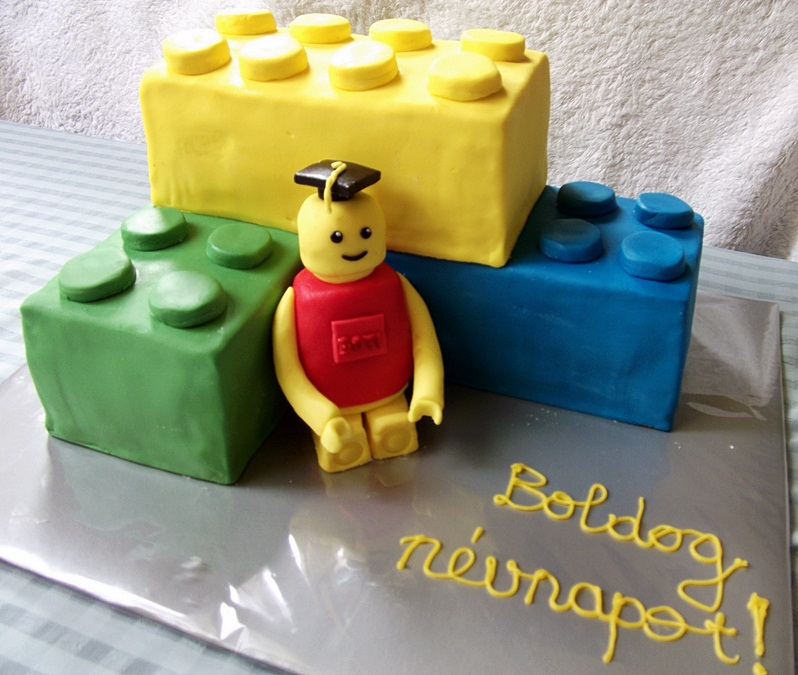 lego torta képek Receptelő: Lego torta (fázisfotókkal) vanília krémmel lego torta képek