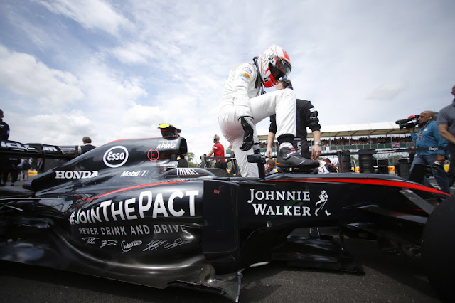 2 sponsors más abandonarían McLaren