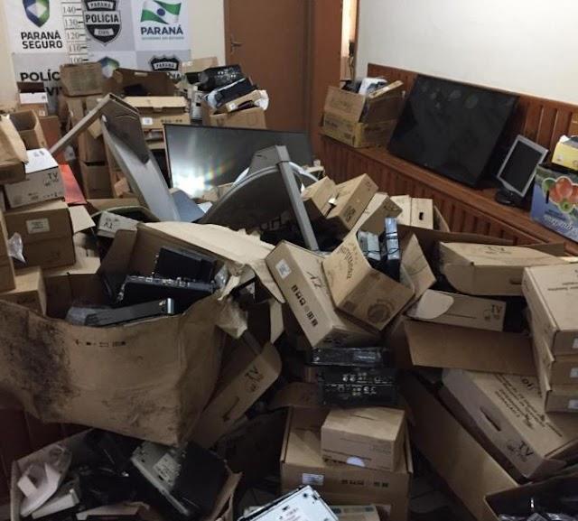 Faxinal-Pai e filho suspeitos de estelionato são presos com mais de 500 equipamentos eletrônicos