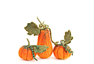 https://www.etsy.com/listing/158853473/needle-felted-pumpkin-set-of-three-the?ref=favs_view_5