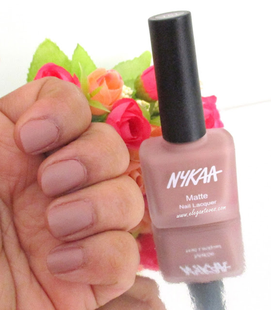 Review Nykaa Matte Nail Lacquer Nutcraker Dreams 151