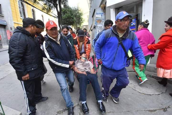 La represión policial dejó heridos a estudiantes y marchistas / RADIO LÍDER