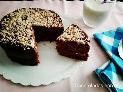 Pastel de chocolate y almendras