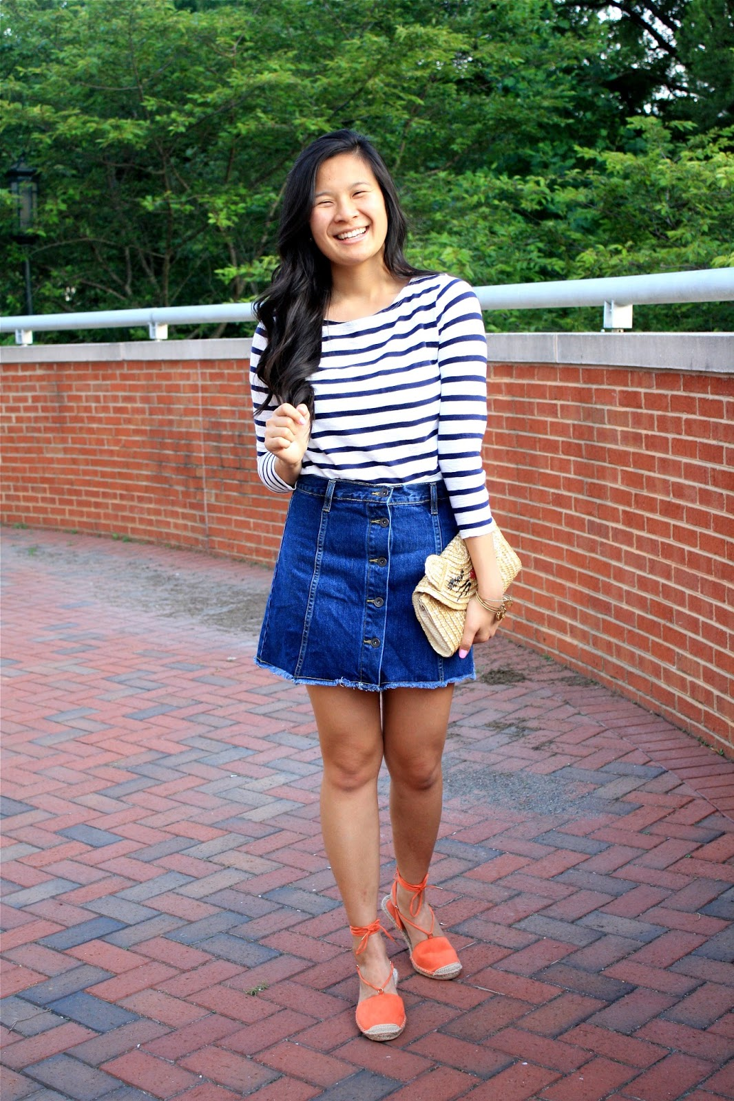 Styling a denim button down skirt for summer