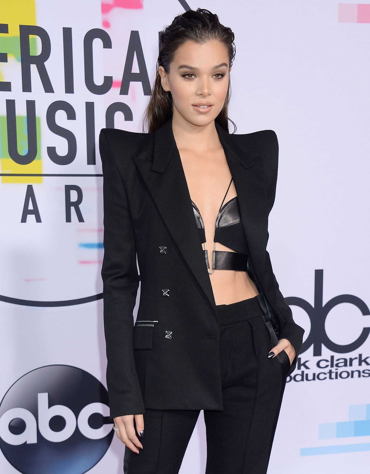 Hailee Steinfeld flaunts leather bralet and blazer at the 2017 AMAs