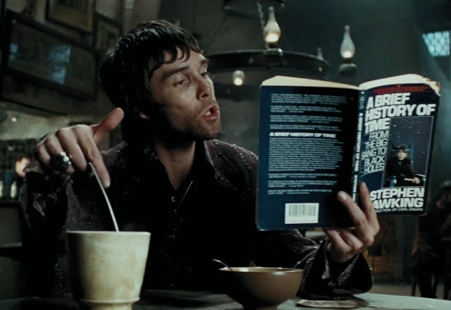 Магьосник чете Стивън Хокинг