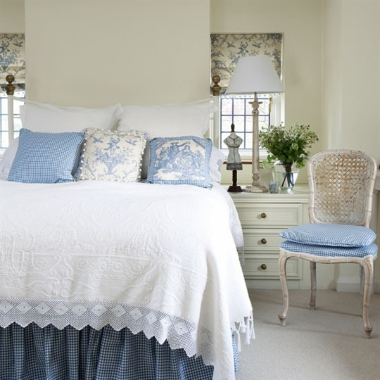 Country Cottage Bedrooms: A World Of Inspiration: A Reflection Of