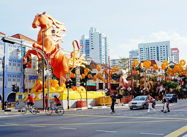 Explore Chinatown