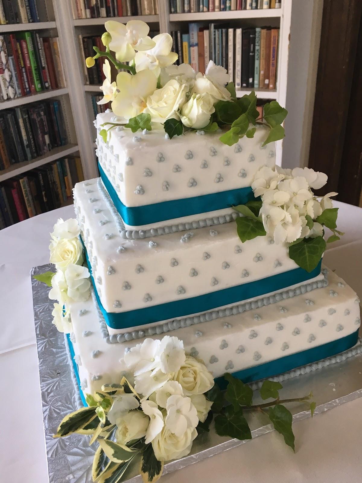Square Satin Ribbon Wedding Cake